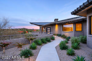MLS 6024661 37251 N Nighthawk Way, Carefree, AZ 85377 Carefree AZ One Plus Acre Home